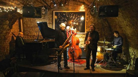 piec-art-acoustic-jazz