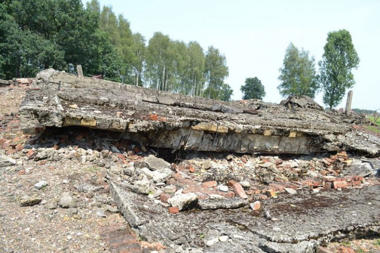 auschwitz-today-destroyed-crematorium