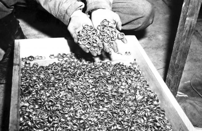 auschwitz-photos-rings