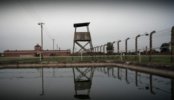 auschwitz-photos-water
