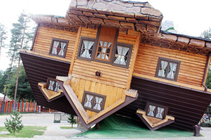 poland-beautiful-places-upside-down-house