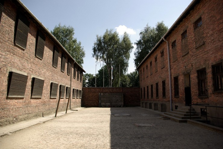 auschwitz-today-death-wall