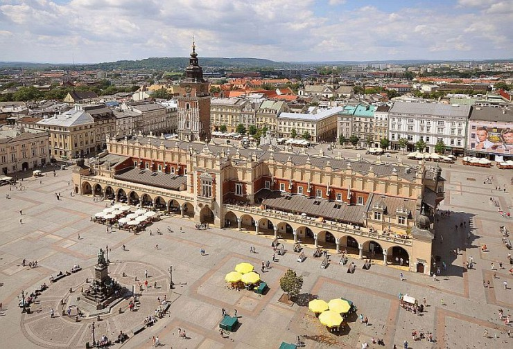 krakow-interesting-facts-main-market-square