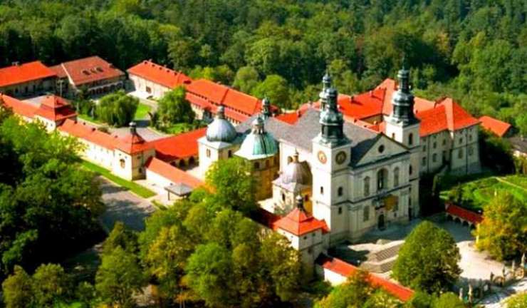 places-near-krakow-kalwaria