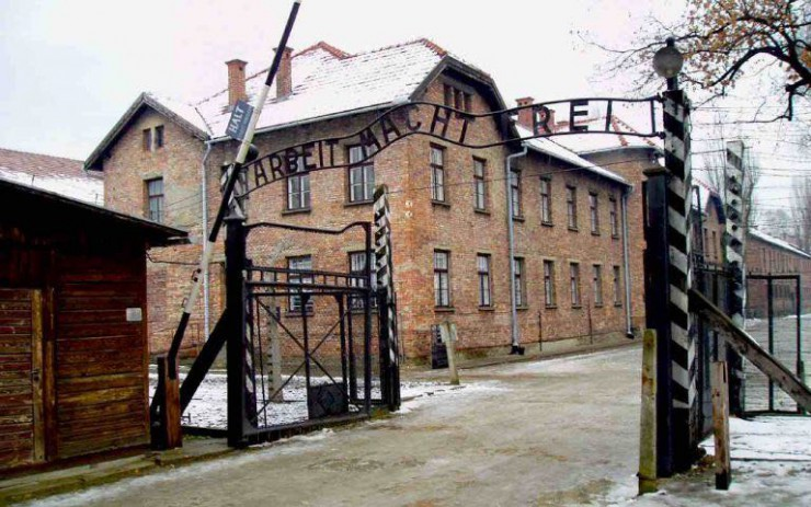 krakow-day-tours-auschwitz