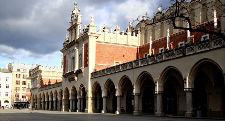 what-to-visit-in-krakow-cloth