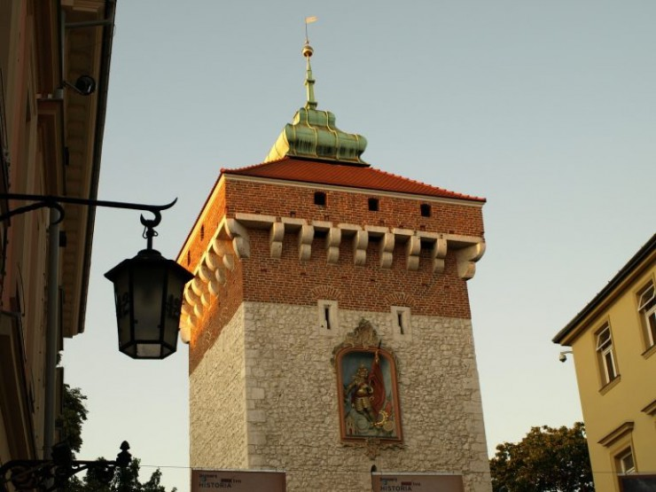 what-to-visit-in-krakow-gate